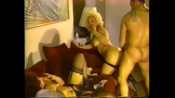 Curvy blonde shemale with nice tits sucks guys cock while brunette spreads